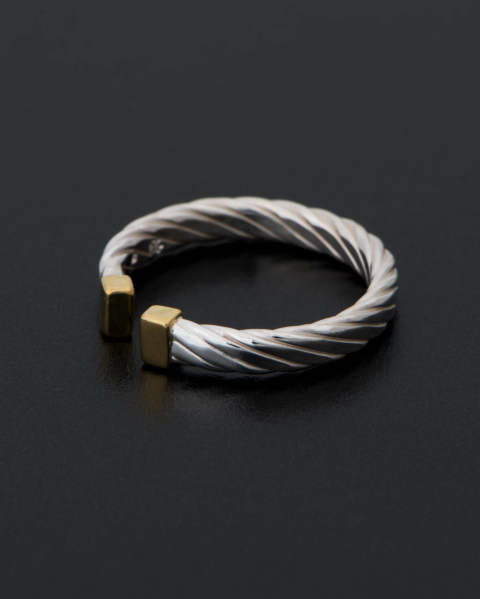 Seven Wires Twist Ring R1812SB Sympathy of Soul