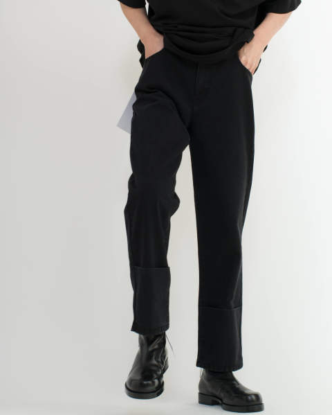 Classic fit denim pants with turn ups