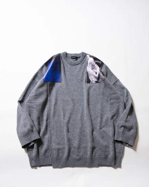 【LAST ONE(M)】Oversized sweater with printed shoulder