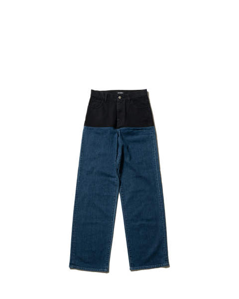 Wide fit denim pants with horizontal cut