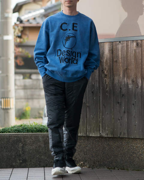 CAVEMPT Design world crew neck