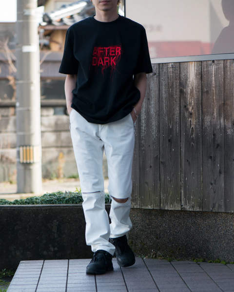 "JOHNLAWRENCESULLIVAN ""AFTER DARK"" EMBROIDERED TEE Black / Red"